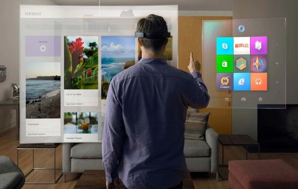 Microsoft Will Make Windows 10 Compatible for HoloLens by Next Year